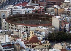 Alicante plantea prohibir las corridas de toros - http://www.absolutalicante.com/alicante-plantea-prohibir-las-corridas-de-toros/