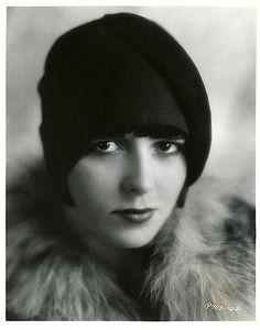Rare Louise Brooks publicity portrait, c. 1928