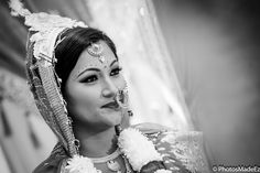 Bengali Bride in Hindu ceremony in Mixed Wedding. Wedding at New Brunswick Hyatt .Bengali Bride and Jamaican Groom. Indian Wedding in New Jersey. Best Wedding Photographer PhotosMadeEz. Award Winning Photographer Mou Mukherjee. #loveandcurry  Featured in Maharani Weddings
