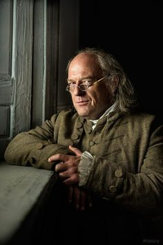 Fans of Breaking Bad are excited and curious to see Dean Norris, who played Hank Schrader in the AMC show, take on the role of Benjamin Franklin in the new History channel miniseries Sons of Liberty. Face Men, Male Face, Male Stories, Tomas Moro, Dean Norris, Political Spectrum, American Revolutionary War, History Channel, Benjamin Franklin