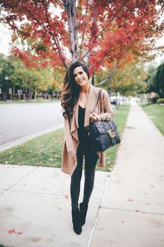 Look at our simple comfortable & simply neat Casual Fall Outfit smart ideas. Get influenced with one of these weekend-readycasual looks by pinning your favorite looks. casual fall outfits for women over 40 Leggings Outfit Winter, Legging Outfits, Leder Outfits, Sporty Outfits, Leggings Fashion, Fashion Outfits, Fashion Fashion, Japan Fashion, India Fashion