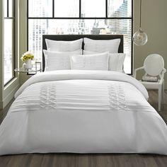 City Scene Triple Diamond 3-piece White Duvet Cover Set. Twin beds