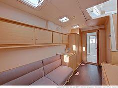 LAGOON 421 | CNL Yacht