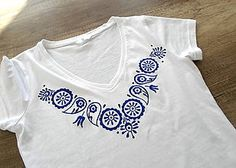 T-shirt folky style