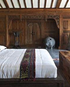 Wood panelled bedroom Bohemian Wornest