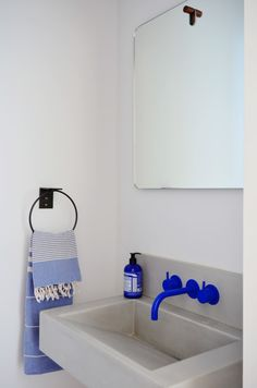 Home Interior White A bright cobalt blue Vola faucet provides a splash of color in the powder room.Home Interior White A bright cobalt blue Vola faucet provides a splash of color in the powder room. Bathroom Interior Design, Home Interior, Interior Architecture, Interior Decorating, Interior Plants, Interior Modern, Interior Livingroom, Bad Inspiration, Bathroom Inspiration