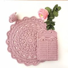 Crochet christmas placemats products 39 ideas for 2019 Crochet Kitchen, Crochet Home, Crochet Gifts, Crochet Placemat Patterns, Crochet Cowl Free Pattern, Drops Design, Crochet Summer Hats, Crochet Baby Cocoon, Christmas Placemats