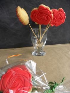 Not 2 late to craft: Galetes per Sant Jordi / Celebrating Saint Georges' day with cookies