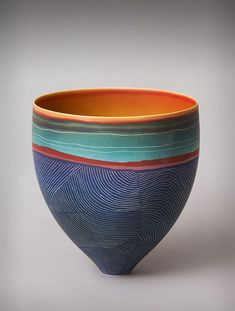 """Pippin Drysdale """"Maps"""" the Australian Outback on her Ceramics - Suzanne Lovell Inc. Ceramic Pots, Ceramic Decor, Ceramic Clay, Ceramic Painting, Ceramic Pottery, Paint Your Own Pottery, Black And White Painting, Japanese Pottery, Ceramic Artists"""