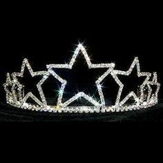 Our Irish dance star tiara is dazzling and unique. Your Irish dancer will sparkle with loads of star power on stage! Our Irish dance star tiara has glittering rhinestones and is silver plated. Dallas Cowboys Wedding, Dallas Cowboys Funny, Cowboys Football, Royal Crowns, Tiaras And Crowns, Love Stars, Stars And Moon, Cowboy Nails, Wedding Tiaras