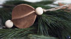 Kuusenkoriste | aarevisuals . . #diy #leather #nahka #kuusenkoriste #christmasdecor #decor