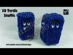 Rainbow Loom - Tardis Stuffie/Charm From Doctor Who - © Izzalicious Designs 2014 Loom Bands Designs, Loom Band Patterns, Rainbow Loom Patterns, Rainbow Loom Creations, Rainbow Loom Bands, Rainbow Loom Charms, Rainbow Loom Bracelets, Loom Knitting Patterns, Loom Band Charms