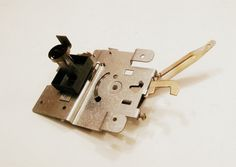 WB14x5040 GE Range Oven Door Switch Latch Assembly