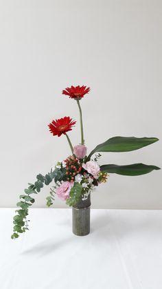 #komarthaclass #komarthalee #flowerlesson #florist #florist #flowerlesson #코마샤클래스 #유러피안플라워 #코마샤반포교실 #포멀리니어 #선형디자인 #유러피안플라워 #렛츠런 #센타수업 #플라워