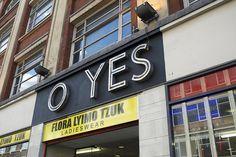 London Daily Photo: (F)OY(L)ES - tikichris