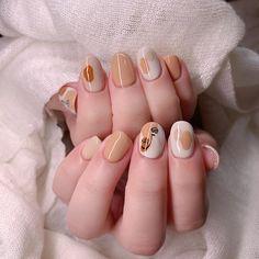 Subtle Nail Art, Asian Nails, Korean Nail Art, Asian Nail Art, Soft Nails, Fall Acrylic Nails, Chic Nails, Pretty Nail Art, Minimalist Nails