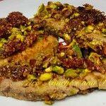 Tonno in crosta di pistacchi e pomodorini secchi Fett, Chicken, Cubs