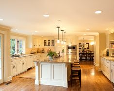 Nice and spacious kitchen!