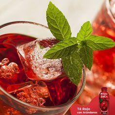 #terojoconarandanos Beneficios del té rojo. RICO Y REFRESCANTE BIENESTAR. El té rojo se considera como la bebida de la salud por sus múltiples propiedades y beneficios, ya que ayuda a activar el metabolismo del hígado, reduce los niveles de grasa, regula el tránsito intestinal y es un diurético natural. Orient Tea es una deliciosa bebida enriquecida con vitaminas y fibra que te ofrece el exquisito sabor del té rojo con arándanos. www.orienttea.mx