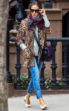 Sarah Jessica Parker in New York with an Elisabeth Weinstock bag Sarah Jessica Parker, Look Fashion, Winter Fashion, Fashion Outfits, Womens Fashion, Carrie Bradshaw Style, Look Street Style, Leopard Print Coat, Rick Ross