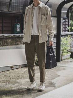Style fashion men casual khakis Ideas for 2019 Korean Fashion Winter, Korean Fashion Dress, Korean Fashion Men, Fashion Fall, Fashion Vest, Korean Street Fashion, Fashion Menswear, Fashion Clothes, Fashion Boots