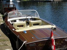 wooden boat Muskoka Greavette - 1972 18' Sunflash