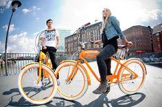 #Mobil mit Stil. #BrawandRieken hat ab sofort einen Fuhrpark! Die custom Bikes der Zweiradschmiede #HolyBikes werden dem Team noch viel Freude machen. Yannick und Romy stehen sie jedenfalls super!