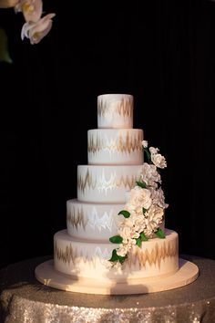 Great Gatsby-Inspired Gotham Hall Wedding, Five-Tiered Metallic Wedding Cake