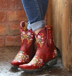 Old Gringo Sora Red Boots Source by Danse Country, Mode Country, Country Girls, Country Outfits, Country Style, Red Cowgirl Boots, Cowgirl Style, Western Boots, Western Wear