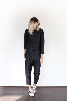 DARK NAVY - Connected to Fashion | Creators of Desire - Fashion trends and style inspiration by leading fashion bloggers