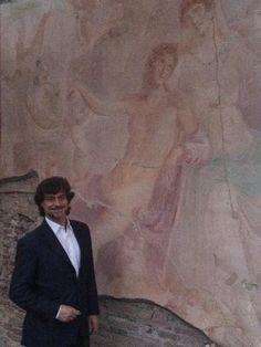 """L'affresco dell'Adone Ferito a Pompei restituito alla sua originaria bellezza grazie ai proventi del libro """"I tre giorni di Pompei"""" di Alberto Angela"""