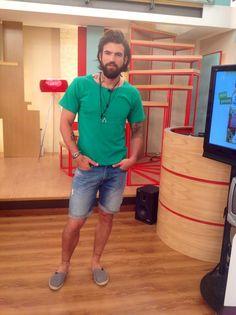Ο Dimitris Alexandrou B με T Shirt Vassilis Thom, Βραχιόλι D-Fine by Fishbone design