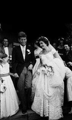 *MR. & MRS. JOHN F. & JACKIE KENNEDY ~ Leaving for their Honeymoon, September 12, 1953... At its best