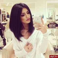 Image via We Heart It https://weheartit.com/entry/163704038/via/18664580 #beautiful #classy #eyebrows #girl #glamour #hair #luxury #smile #style