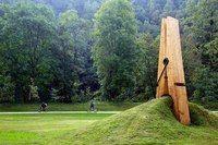 #sculpture #park #green #grass # trees #city #town #big