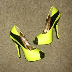 BCBGeneration Liberty pumps This is a brand new pair of neon yellow and black platform Liberty pumps by BCBGeneration in a size 5. Hot colors! BCBGeneration Shoes Heels