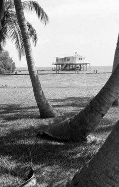 """Photo by Charlie McCullough of the """"fish house"""", one of the Rauschenberg Foundation's Captiva properties"""