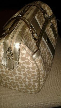 Coach khaki gold  amp White Handbag leather doctor s bag signature c  pocketbook in Clothing 134df533a48c7