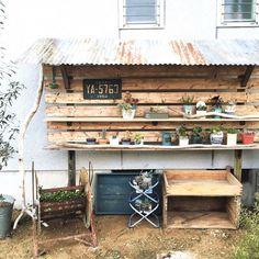 DIYで作ろう!トタン屋根付き*多肉棚!|LIMIA (リミア)