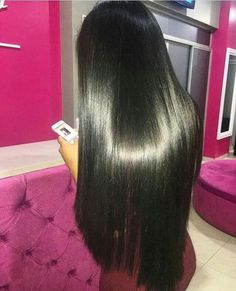 Aquele pretinho liso que a gente respeita . . . . . . . . . . . . . . #lovehair #girl #modaparameninas #long #longhair #cronogramacapilar #projetopocahontas #projetorapunzel #projetorapunzel2017 #madeixas #cabelonobumbum #cabeloslisos #cabeloslongos #inspiracao #instahair #hidratação #cronogramacapilar #cc #liso #cabelolongo #cabeloliso #cabeloslisos #hairblack #blackhair #inspiracao