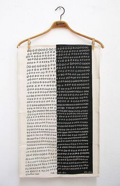 Ways to use a tea towel. skinny laminx: abacus tea towel from south africa. Textile Patterns, Textile Prints, Textile Art, Print Patterns, Fabric Art, Fabric Design, Tampons, Mark Making, Surface Pattern Design