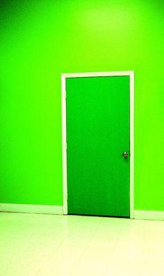 Love the neon green room