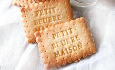 Petits-beurre maison au Thermomix, de délicieux biscuits type petit-beurre en version maison, très bon et ça goûte les originaux, facile et simple à réaliser pour le goûter des enfants.