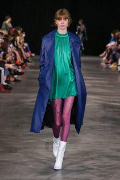 Tamuna Ingorokva Tbilisi Fall 2017 Fashion Show Fashion 2017, Runway Fashion, Fashion Show, Fall Winter 2017, White Shoes, Color Combos, Catwalk, Ready To Wear, Vogue