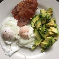 #breakfast this morning is #bacon#avocado #avo #poachedeggs #healthy #lowcarb #lowcarbhighfat #lowcarbdiet #lowcarbbreakfast #lchf #macros #keto #paleo #paleoish #cleaneating #knowwhatsinyourfood #nourish #satisfying #filling #healthyfood #cutcarbs #diet #weightloss #instadiet #atkins #goodfats #protien by jo_emily_gazey