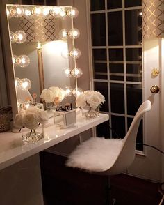 Our DIY makeup room ideas, find the best combination of dedicated space, storage, and style to make applying makeup a joy. Decorate a dressing room vanity. Decor, Beauty Room, Makeup Table Vanity, Room Inspiration, Glam Room, Home Decor, My Room, Room Decor, Apartment Decor