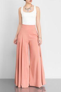 14 Palazzo Pants Outfit For Work - The Finest Feed - Pantaloni da donna Classy Dress, Classy Outfits, Chic Outfits, Fashion Pants, Hijab Fashion, Fashion Dresses, Modest Fashion, Stylish Dress Designs, Stylish Dresses