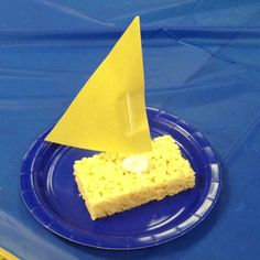 Sailboats! I'm re using this idea for my classroom for Christopher Columbus day!