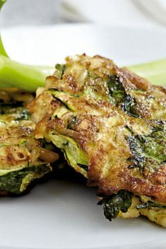 Jubii Webmail :: Vi tror, at du vil synes om disse pins Cucumber Recipes, Veggie Recipes, Vegetarian Recipes, Healthy Recipes, Frittata, Vegi Burger, Veggie Patties, Dinner Sides, Greens Recipe