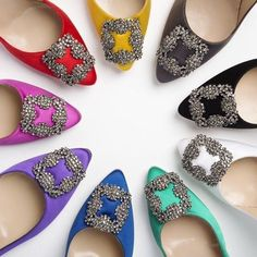 Manolo Blahnik gives you 9 ways to be Carrie Bradshaw on your big day! Decisions decisions...